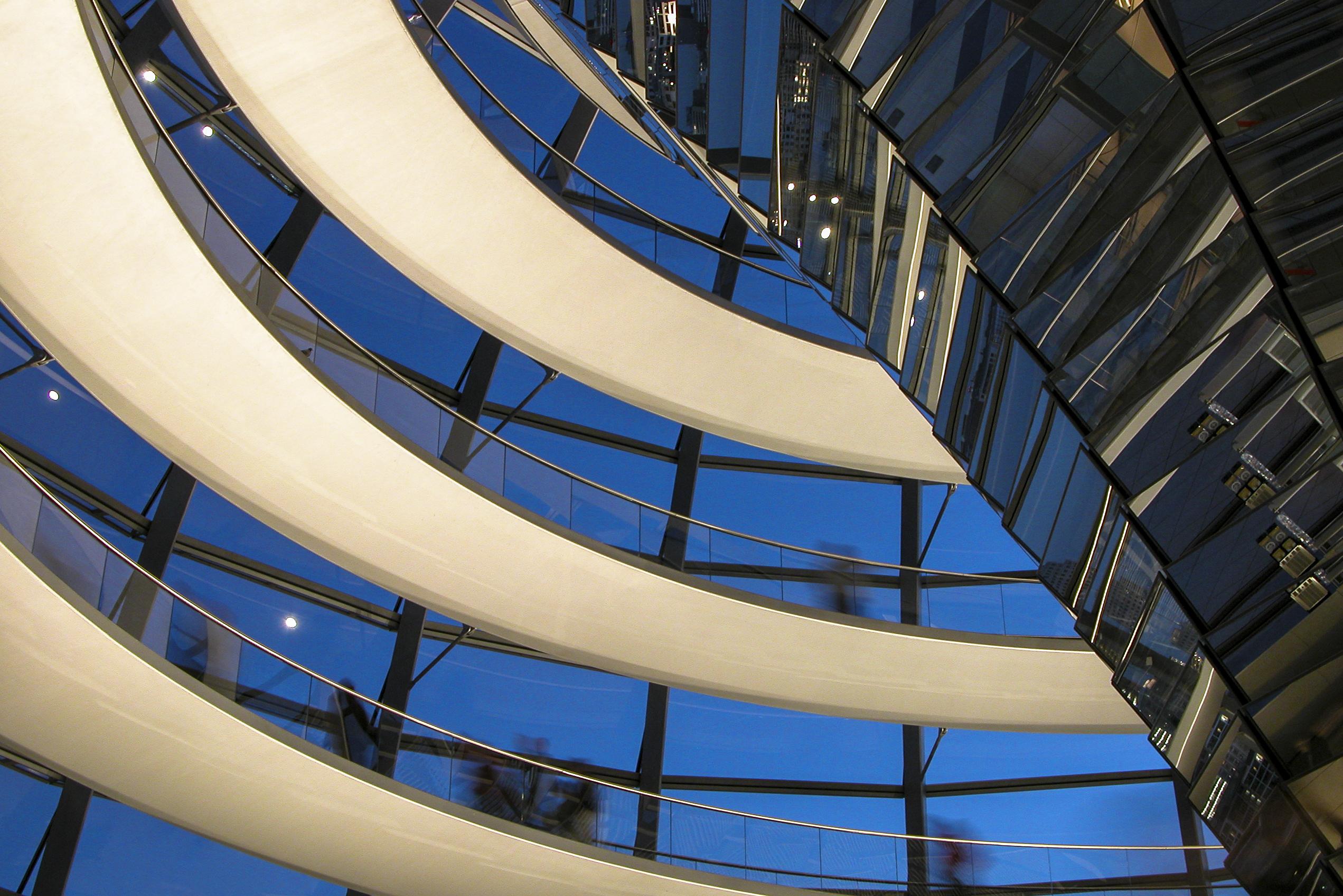 Koepel Rijksdaggebouw, Berlijn. Architect Foster and Partners